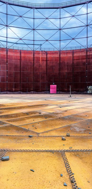 Gasometer Red-Door 2 // Worked-Out Kokerei // Zollverein Essen - Ruhrgebiet // 2019 // L 87,6 x 180 cm - M 68,1 x 140 cm - S 48,6 x 100 cm