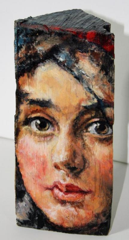 Großmutter der Künstlerin mit 14 Jahren, Acryl auf Holzscheit, ca. 15 cm X 25 cm X 10 cm